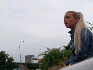 Heiße Blondine Public Agent