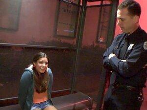 Kerl Weiblicher Polizist fickt schwarzen Polizist Fickt