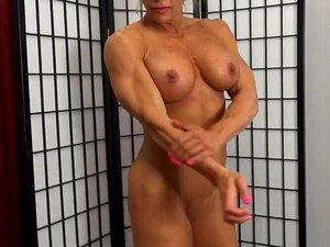 Schwarzer muskulöser großer Schwanz