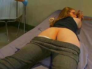 Nackt beim arzt Medizinisch Beim