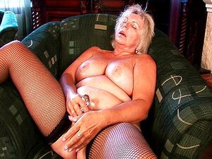 Nackt bilder grannys Granny Nude