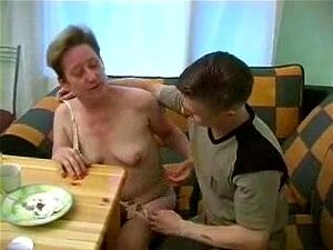 Nackt russen omas Oma