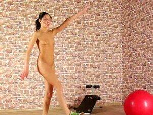 Sport mädchen nackt beim Sport XXX