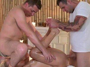 Massage Zimmer Petite Blonde
